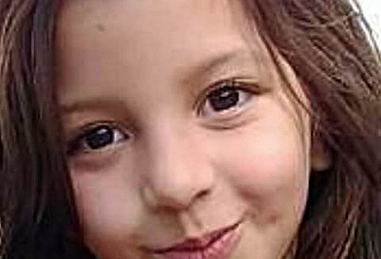 Menina internada na UTI precisa de doadores de sangue