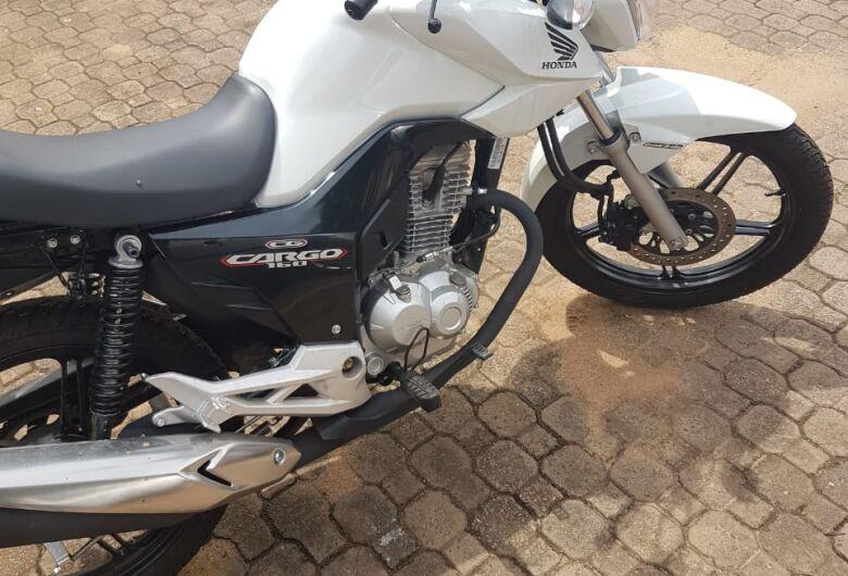 Com ajuda do SCA, moto furtada é localizada no CDHU