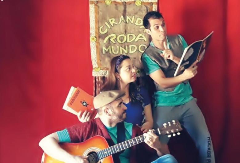 Contação de histórias no Sesi São Carlos estimula a fantasia e incentiva a leitura