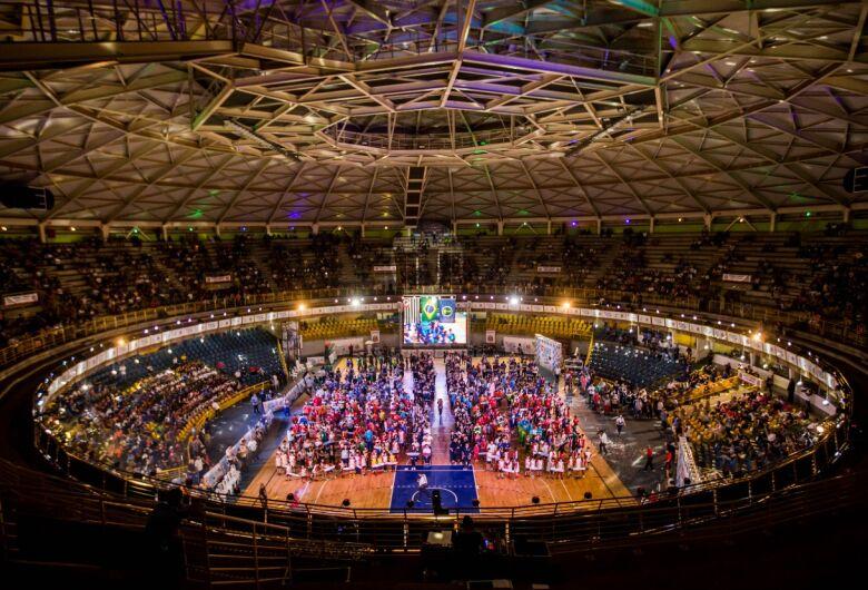 Cerimônia de abertura do Jogos Abertos encanta o público no Milton Olaio