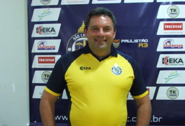 Omar Curi é confirmado com o técnico do São Carlos para 2019