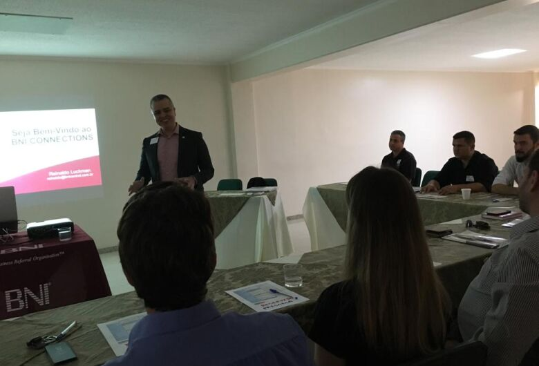 Formação da segunda equipe do BNI em São Carlos chama atenção de empresários e empreendedores