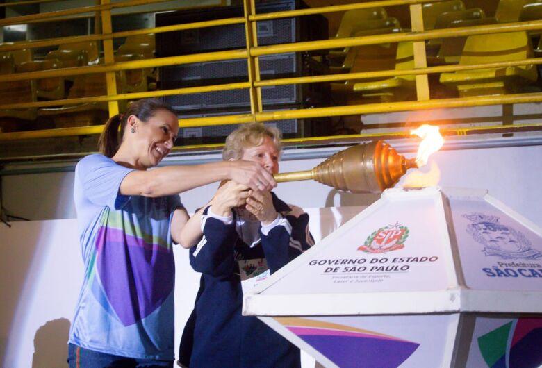 Famosos prestigiam abertura dos Jogos Abertos do Interior em São Carlos