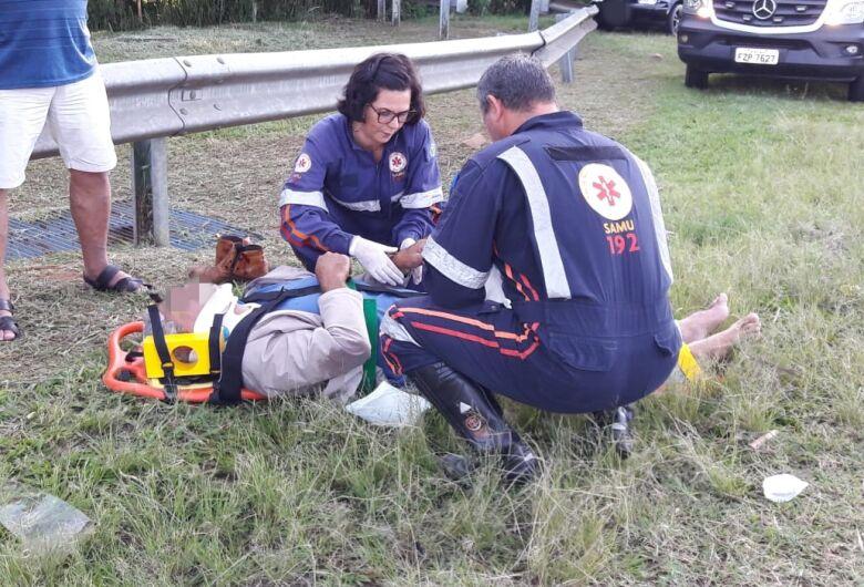 Colisão traseira deixa um ferido em alça de acesso