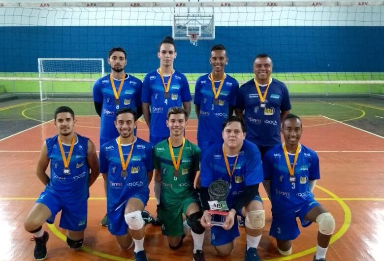 São Carlos vence Itobi e conquista bronze no Campeonato da APV