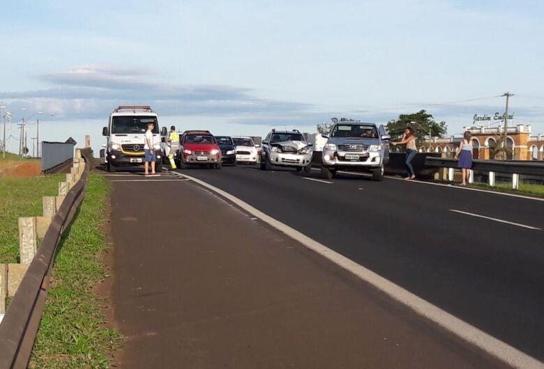 Acidentes envolvem vários veículos na Washington Luis em São Carlos