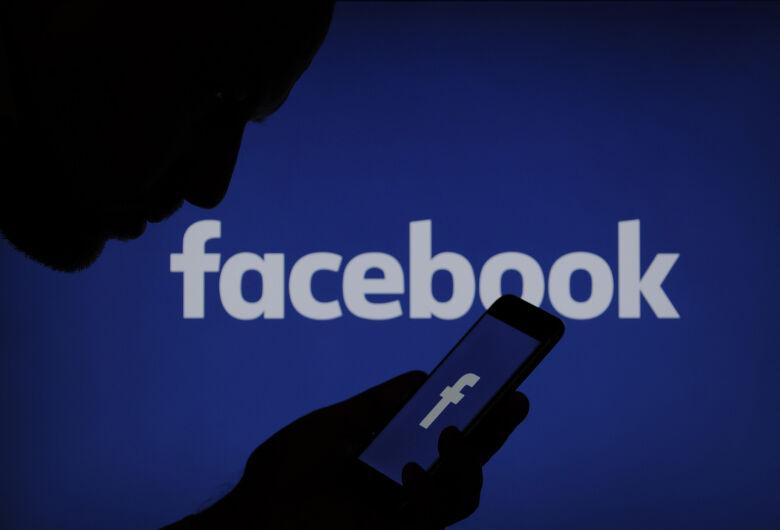 Facebook fica fora do ar nesta segunda-feira