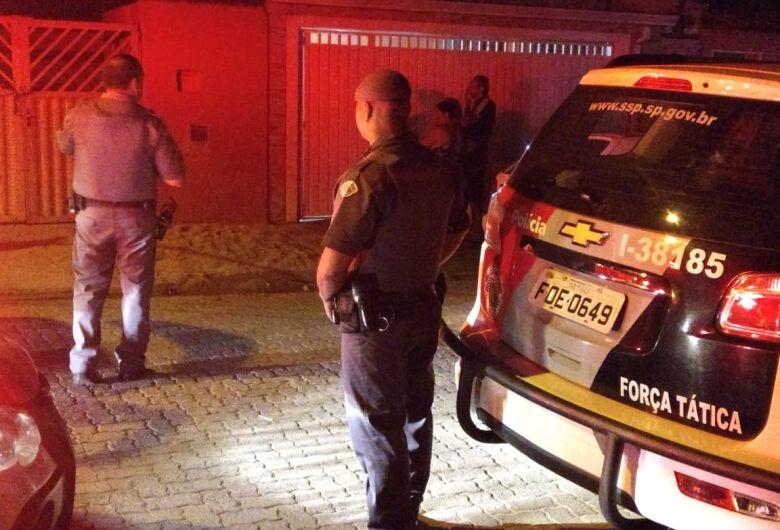 Após briga entre vizinhos, mulher é morta a tiros no Santa Angelina