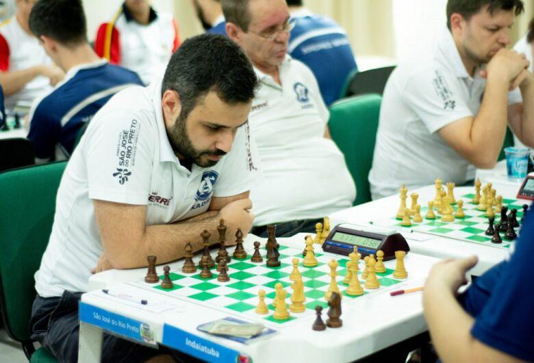 São-carlense faz parte do seleto grupo de 14 brasileiros que ostentam o título de Grande Mestre Internacional