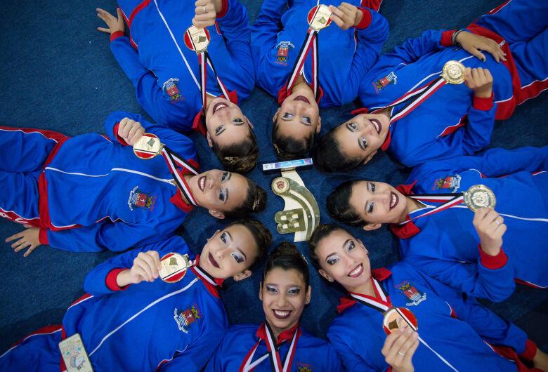 Após apresentações precisas, Ubatuba leva ouro na ginástica rítmica