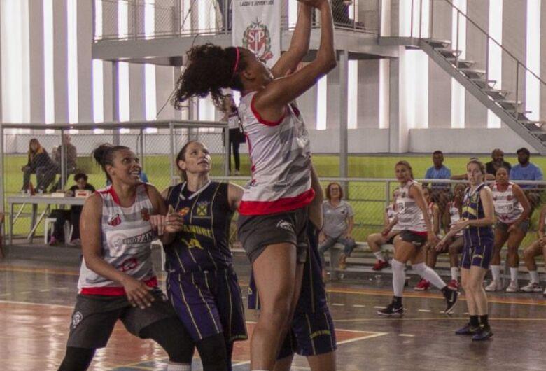 Itu conquista o ouro no basquete feminino após bater Santo André na final