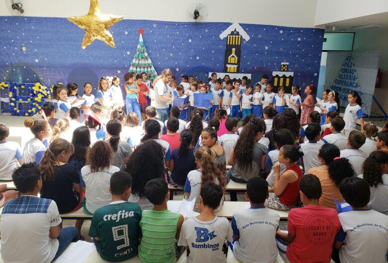 E.M. Julio B. Mendes, em Ibaté, realiza Cantata de Natal