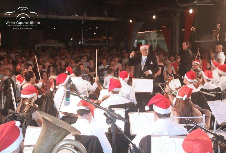 Orquestra Jazz Sinfônica e maestro Agenor Ribeiro Netto encantam público no São Carlos Clube