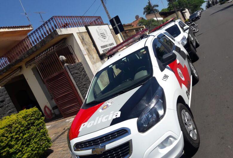 Ladrão escala telhado e furta empresa na Vila Monteiro