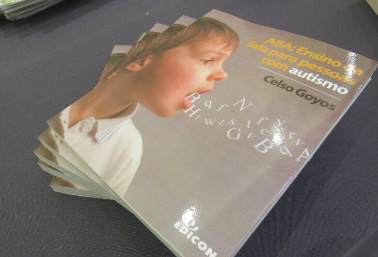 Professor da UFSCar lança livro que aborda a fala em pessoas com autismo