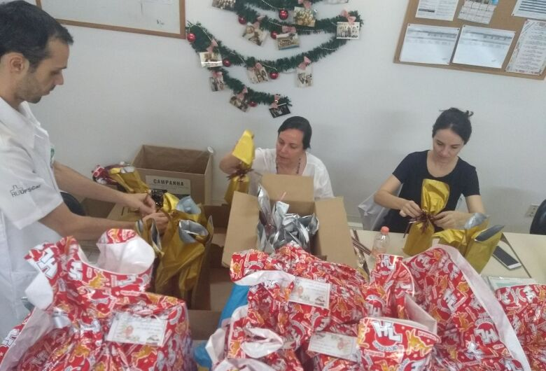 Hospital Universitário promove ação em duas instituições assistenciais de São Carlos