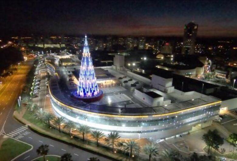 Árvore de Natal do RibeirãoShopping: uma das atrações da cidade neste fim de ano