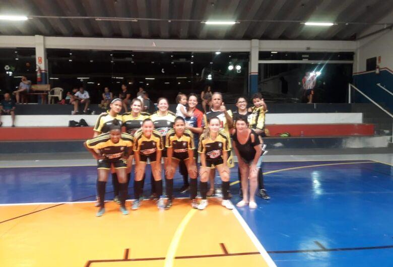 Deportivo Sanka goleia Ibaté e está na final do campeonato de futsal feminino