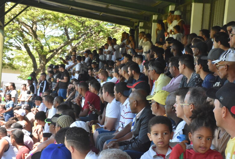 Grande público presencia a final do Campeonato Amador