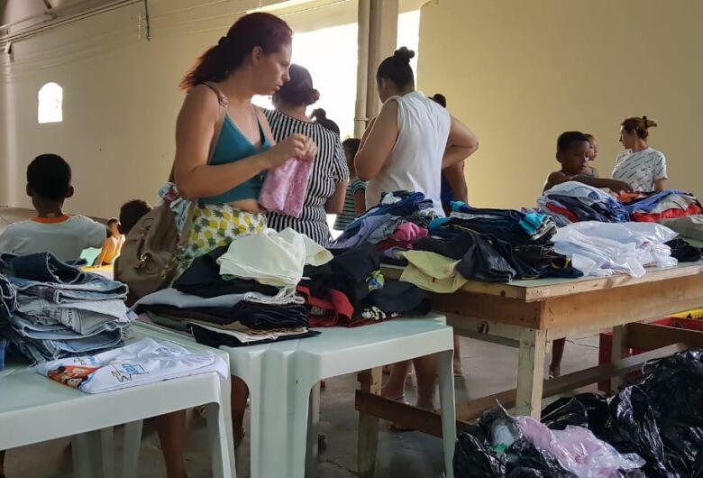 Caravana São Carlos Mais Solidária faz ação no CDHU