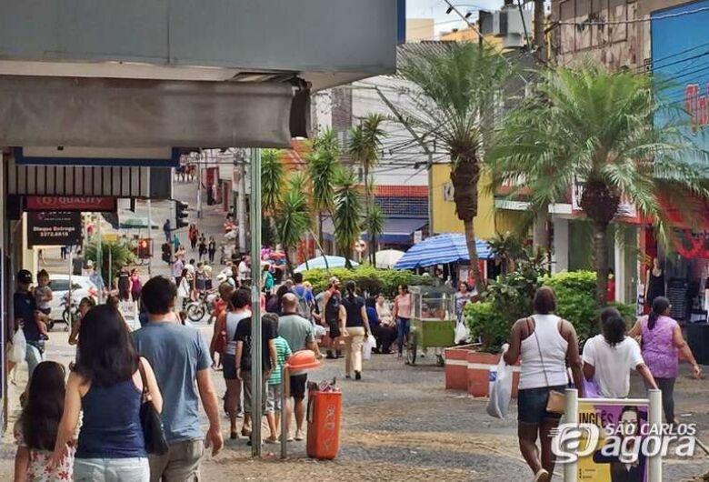 Varejo da região de São Carlos abre 229 vagas com carteira assinada em outubro