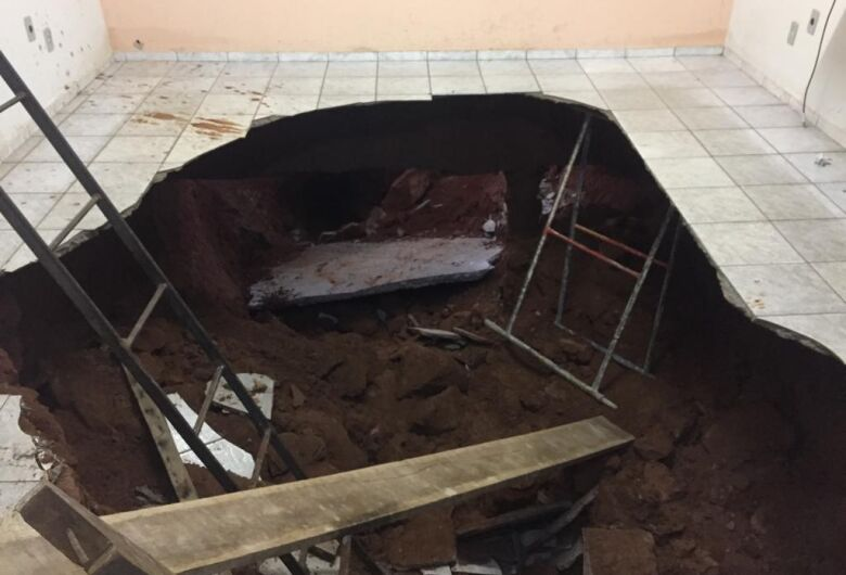 Prefeitura de Ibaté esclarece sobre desmoronamento em piso de escola municipal