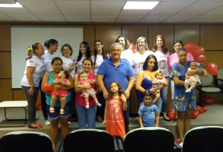 Mamães doadoras de leite são homenageadas pela Santa Casa