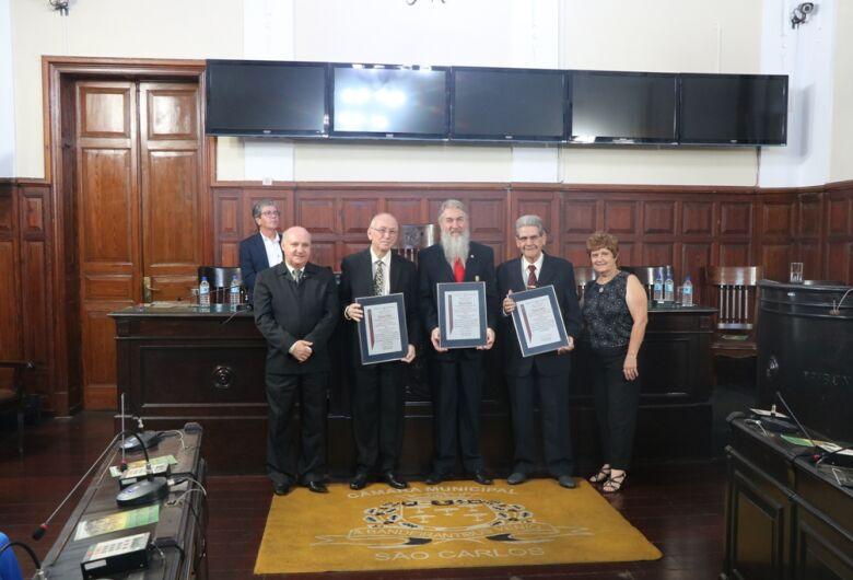 Títulos de cidadania são entregues a Dr. Félis, Fernando Crnkovic e Professor Saidel