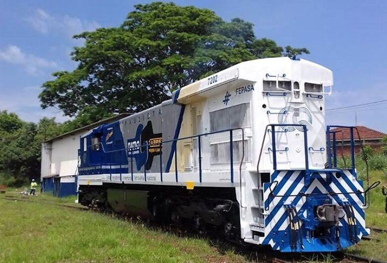 Locomotiva recuperada e iluminada passará por Ibaté