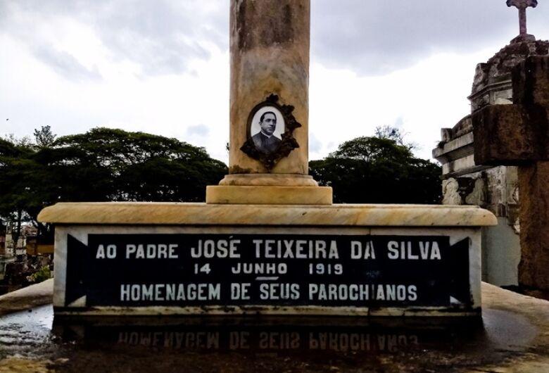 Padre Teixeira, um padroeiro honorário
