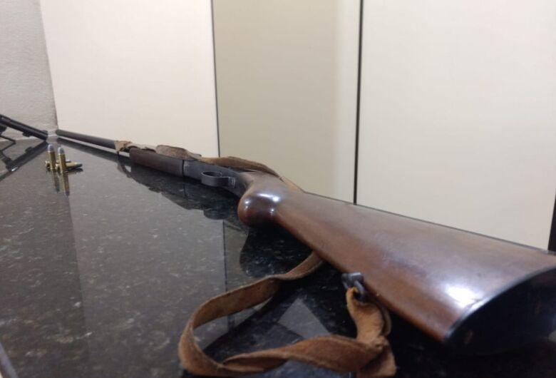 Cantor sertanejo é preso por porte ilegal de arma