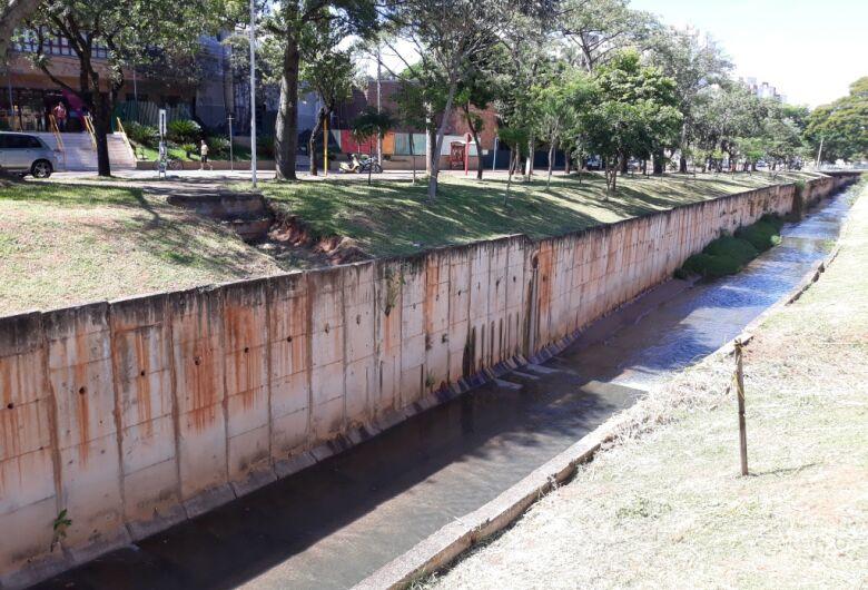 Vereador Sérgio Rocha questiona Prefeitura sobre construção de passarela em frente ao Sesc