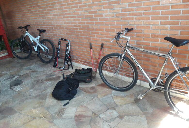 Durante operação no Gonzaga, PM apreende drogas e duas bikes