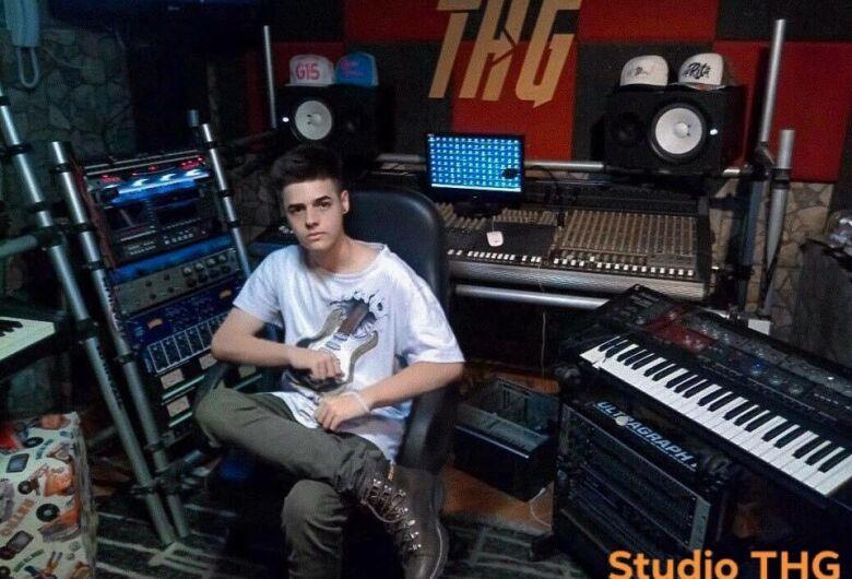 São-carlense grava primeira música e sonha com carreira de sucesso
