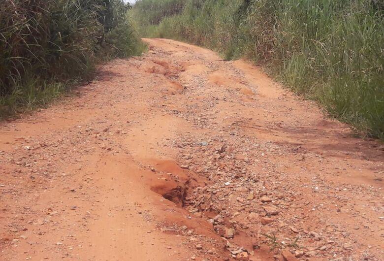 Usuários reclamam das condições de estrada municipal na região sul