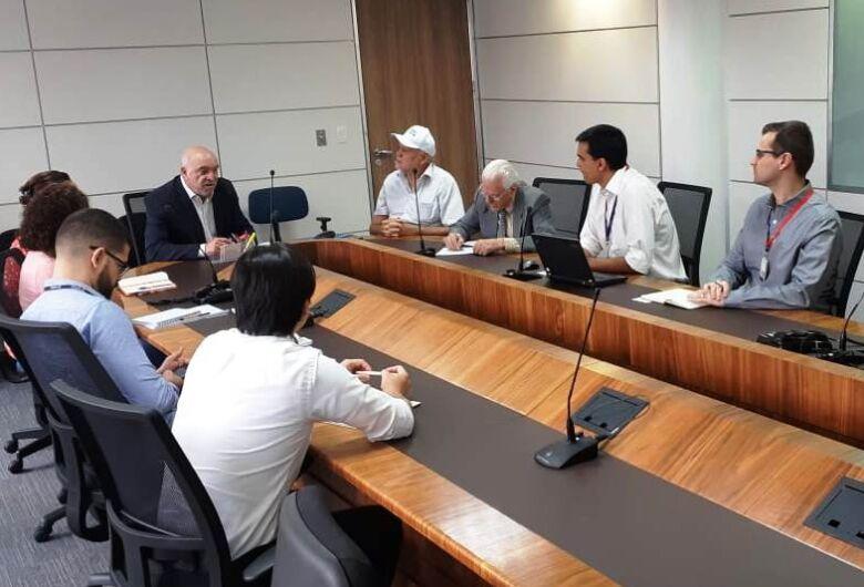 Prefeito e diretor da LATAM solicitam melhoria no acesso ao Centro de Manutenção de Aeronaves