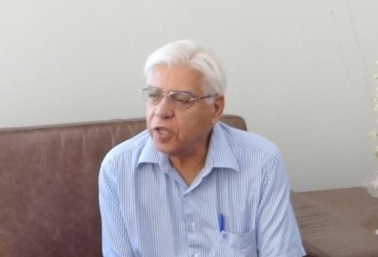 Azuaite destaca plano antidengue e diz que Prefeitura deve dar exemplo com limpeza de áreas públicas