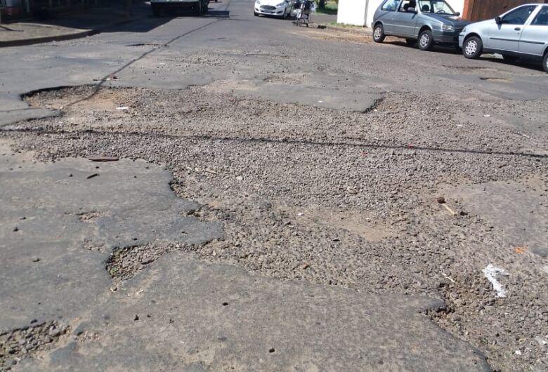 Ruas da Vila Marcelino estão abandonadas, denunciam moradores