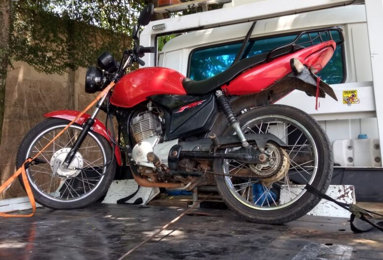 Adolescente tenta fuga da PM com moto adulterada