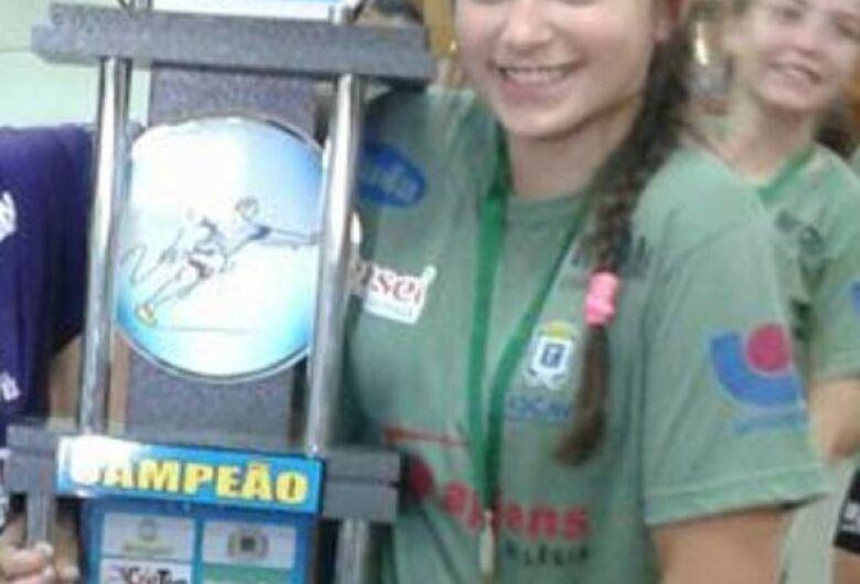 H7 Esportes/La Salle se reforça com Paty e Camila