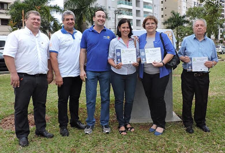 Plantio de árvores e homenagens marcam inauguração de praça em São Carlos