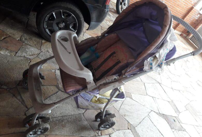 Mãe com dois bebês é flagrada comprando crack na Redenção