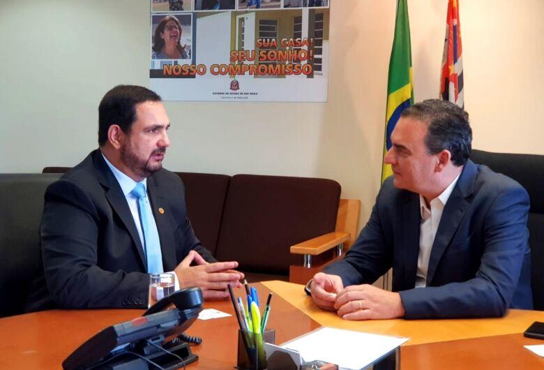 Secretário da Habitação ouve demandas da região apresentadas pelo deputado Julio Cesar