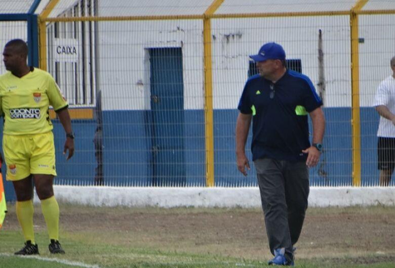 Omar Curi é demitido do São Carlos após quarta derrota na A3