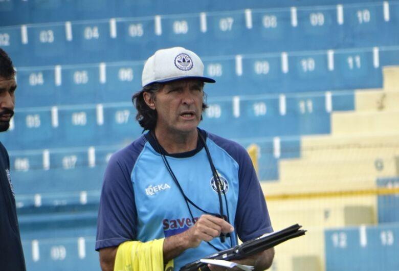 Carlinhos Alves prevê muitas dificuldades na Águia, mas tem fé na recuperação