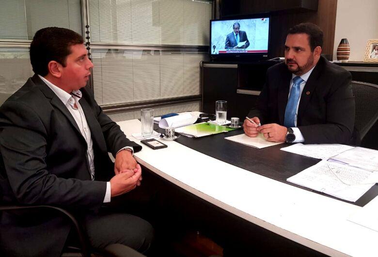 Chefe da Habitação de Porto Ferreira se reúne com deputado estadual Julio Cesar