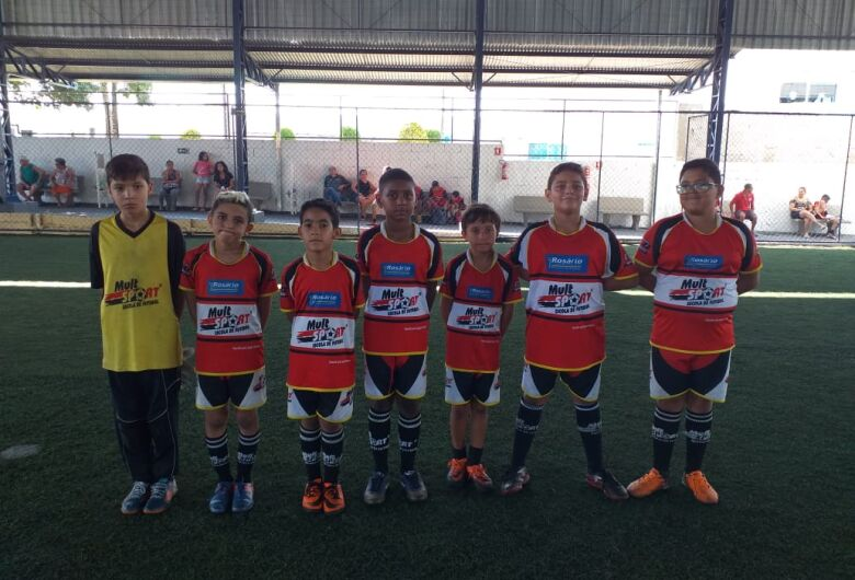 Escolas se unem para festival de futebol
