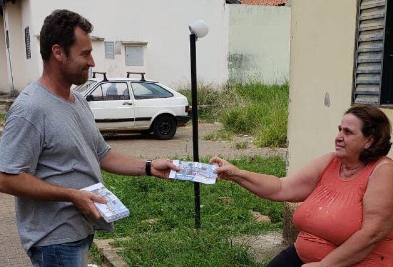 SIM entrega carnês do IPTU aos moradores dos prédios do São Carlos VIII