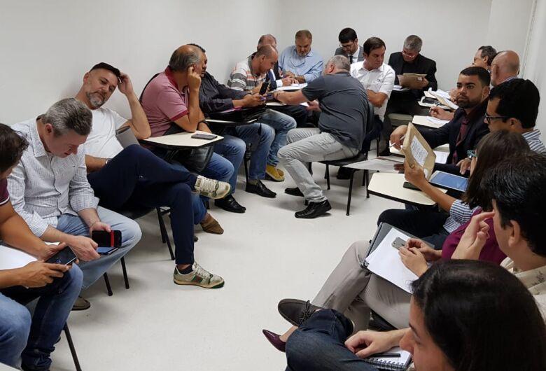 Transporte Público: 7 empresas comparecem e protocolam propostas