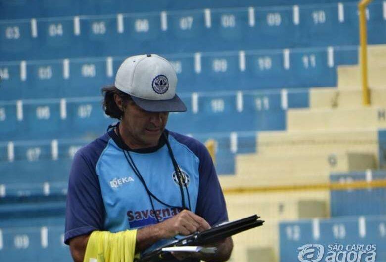 De técnico novo, São Carlos busca início de reação em Capivari